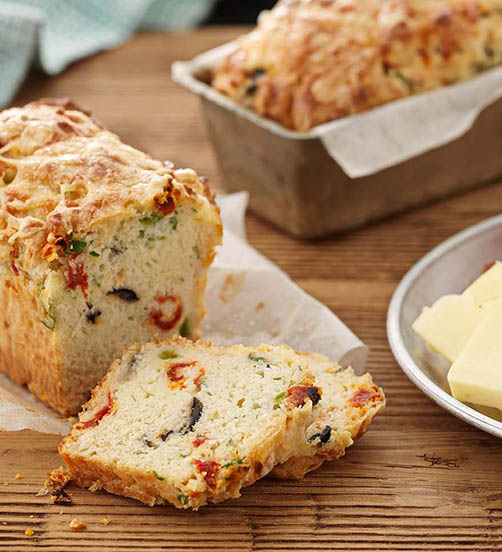 Cheesy olive & sun-dried tomato loaf