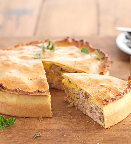 Pork, fennel & epicure picnic pie